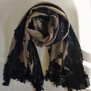 Black Lace & Embroidery Cashmere Beauty